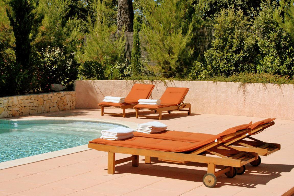 Villa 6 pers. geschakeld met zwembad